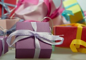 Оригинальные списки подарков для людей старше 40 лет